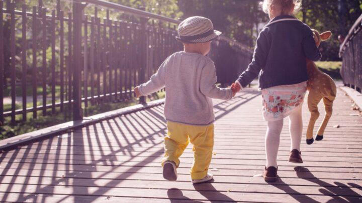 Der treue Begleiter eines Kindes